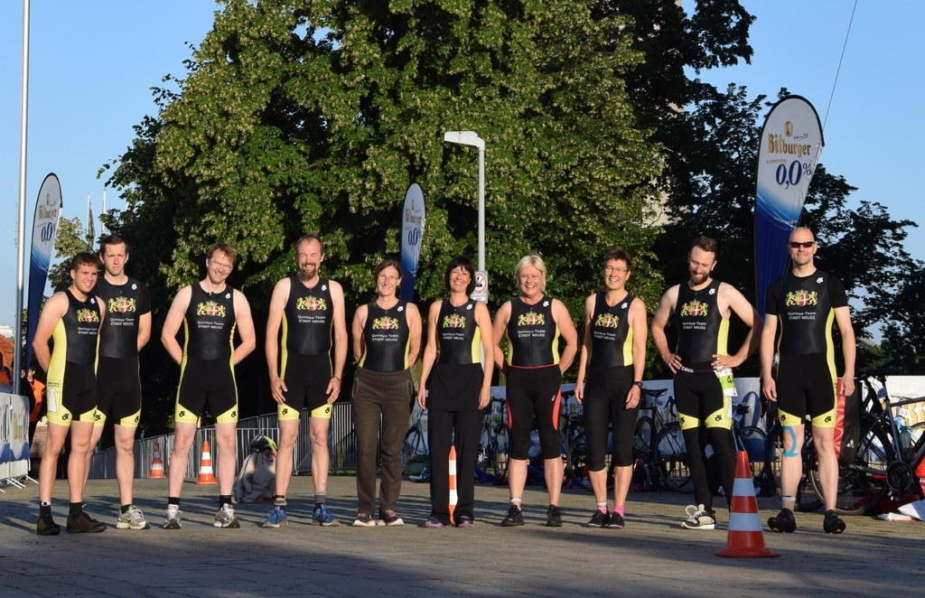 Das Qurinus-Team beim T3 Triathlon in Düsseldorf.