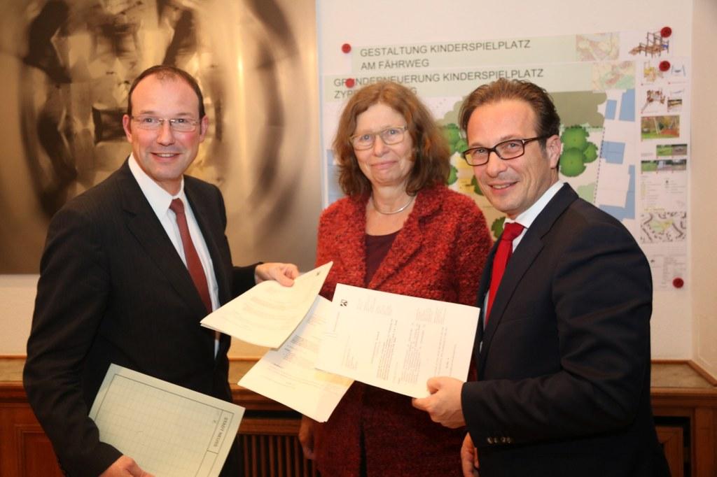 v.l. Baudezernent Christoph Hölters, Regierungspräsidentin Anne Lütkes und Bürgermeister Reiner Breuer.