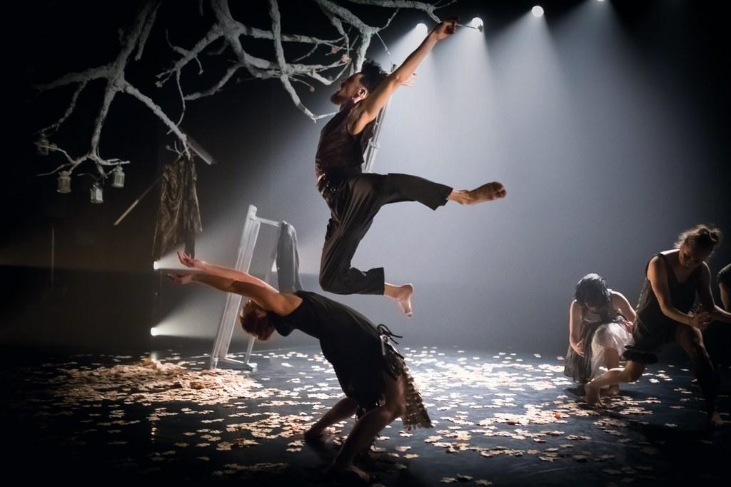 National Dance Theatre of Wales/Folk: Foto Rhys Cozens