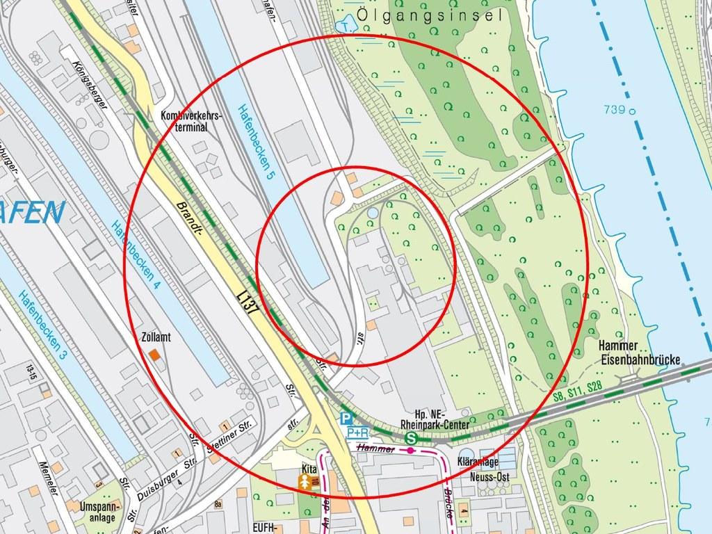 Das von der Entschärfung betroffene Gebiet. Innerer Kreis: Evakuierung. Äußerer Kreis: Luftschutzmäßiges Verhalten (Aufenthalt nur in Gebäuden).
