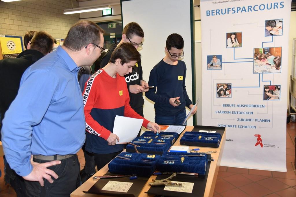 Organisiert vom Schulverwaltungsamt Neuss, Metall NRW und dem Technikzentrum Minden-Lübbecke. (Fotos Stadt Neuss, Gesamtschule a.d. Erft)