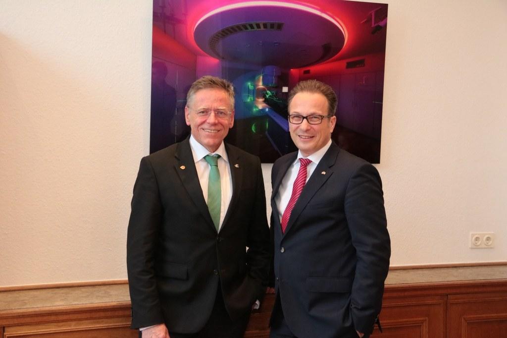 V.l.: Landrat Hans-Jürgen Petrauschke und Bürgermeister Reiner Breuer.