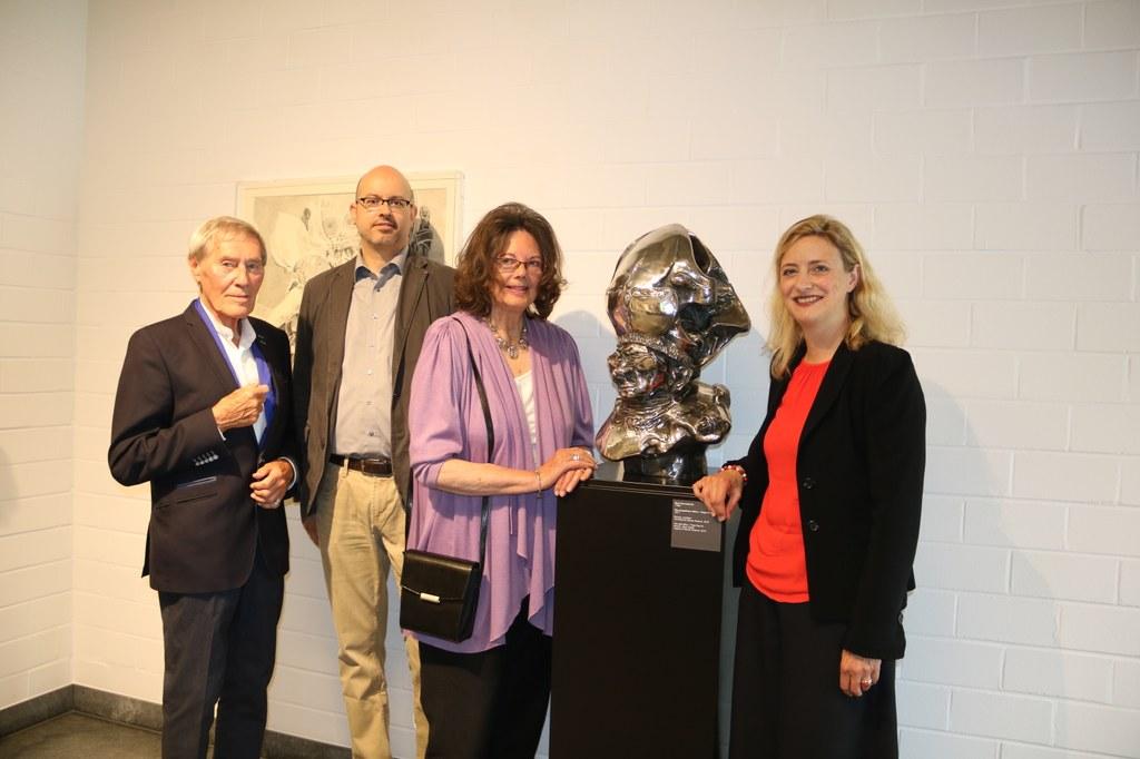 (v.r.) Uta Husmeier-Schirlitz, Mathilde Roemer, Romano Roemer und Bert Gerresheim.