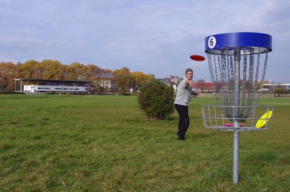 Discgolfen im RennbahnPark © Neuss Marketing