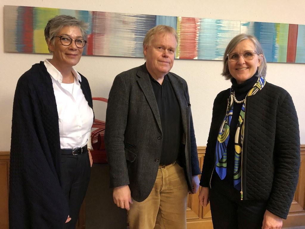 Karin Schmidt-Friderichs, Vorsteherin des Börsenvereins des Deutschen Buchhandels und Schatzmeister Klaus Gravemann waren zu Gast bei Dr. Christiane Zangs, Beigeordnete für Schule, Bildung und Kultur.