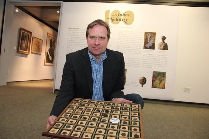 Museums Archäologe Dr. Carl Pause