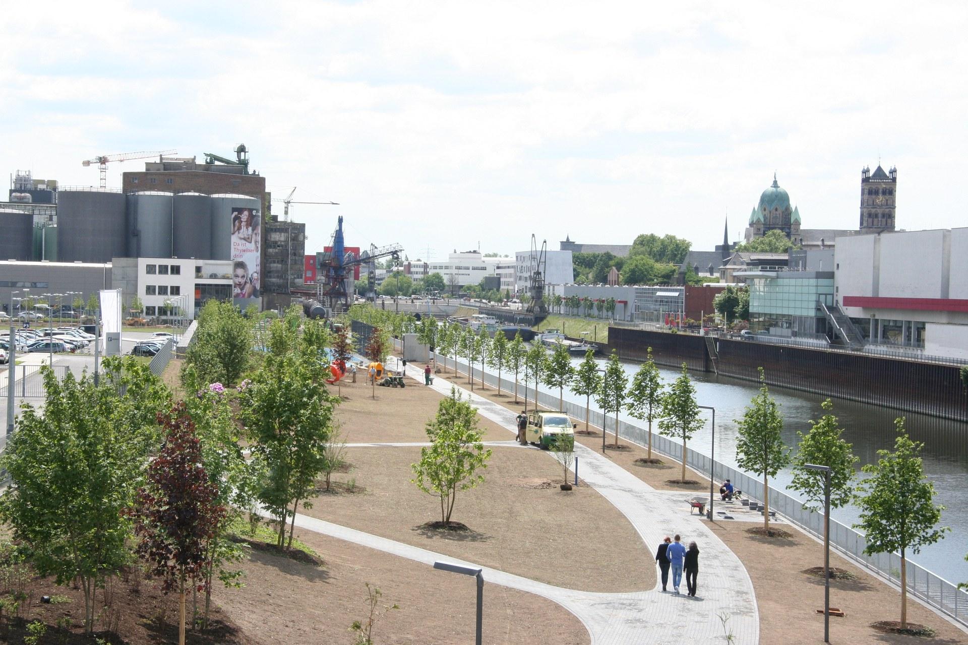 Uferpark 11