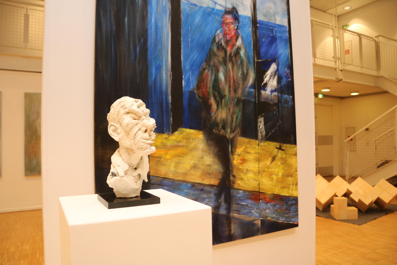 Öl auf Leinwand und Skulptur von Dastin Conrad