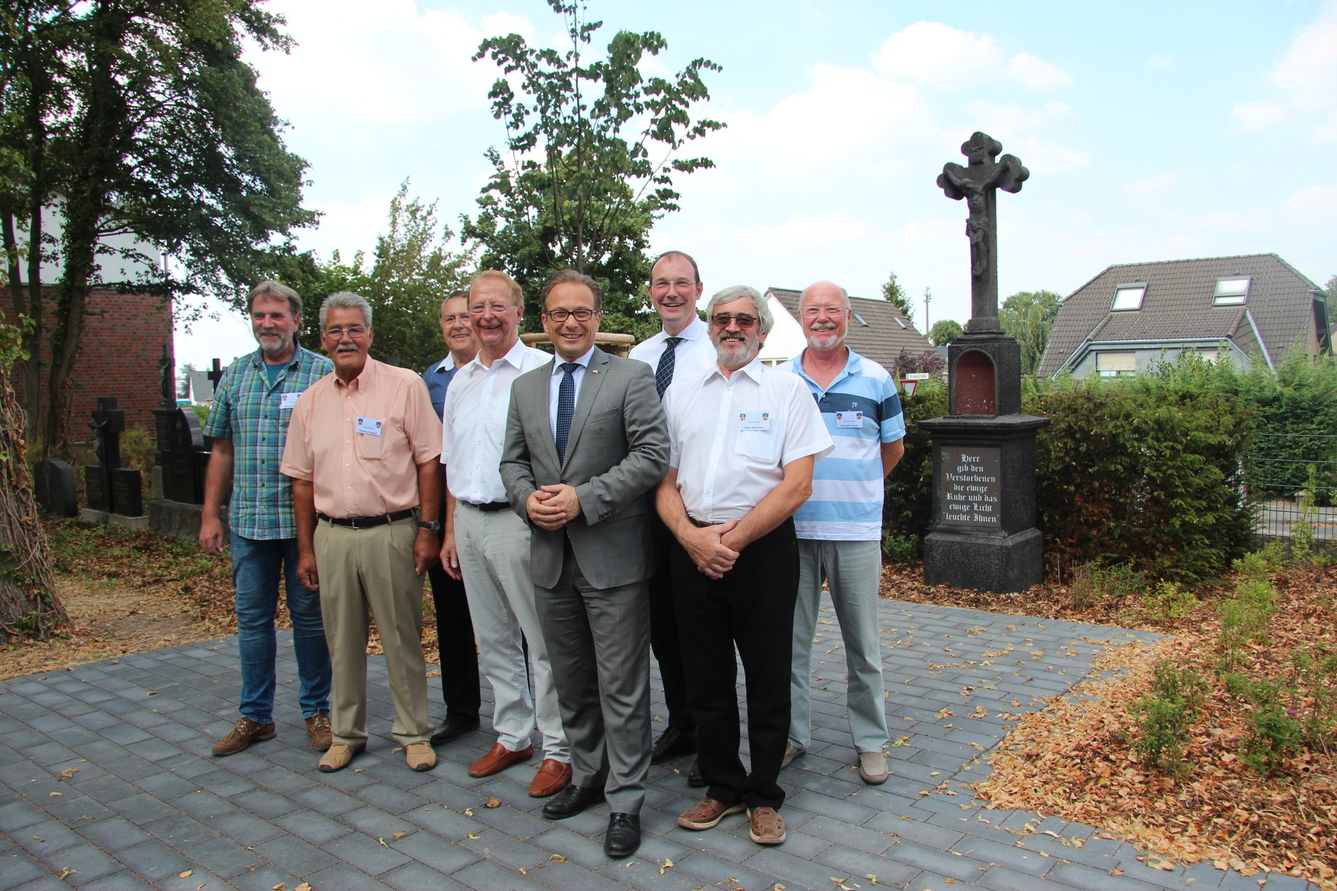 Alter Friedhof Hoisten offiziell eingeweiht
