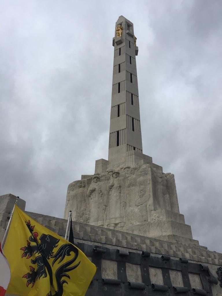 Kriegerdenkmal-Turm.jpg
