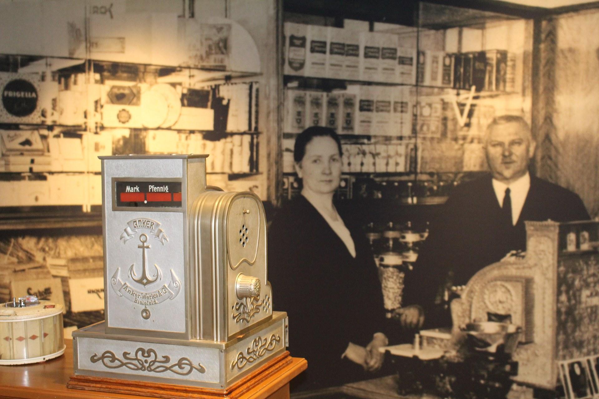 Das Süßwarengeschäft Mayser in Neuss, Ende 1920er Jahre, Foto: Hanno Mayser
