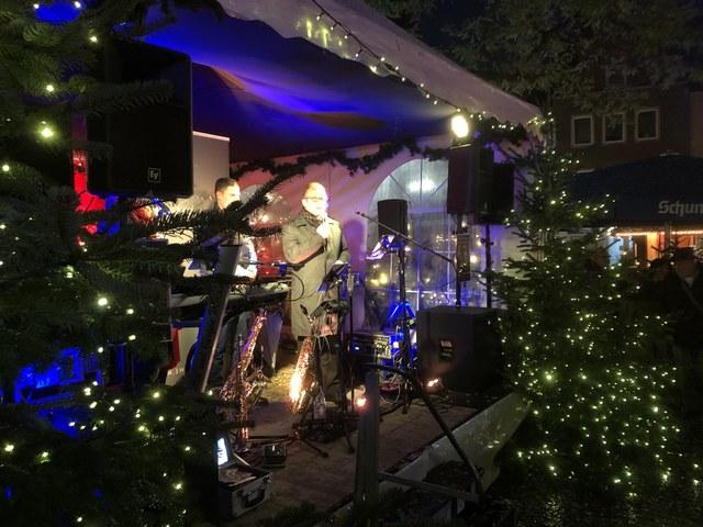 © Stadt Neuss-Weihnachtsmarkteröffnung 2019.jpg