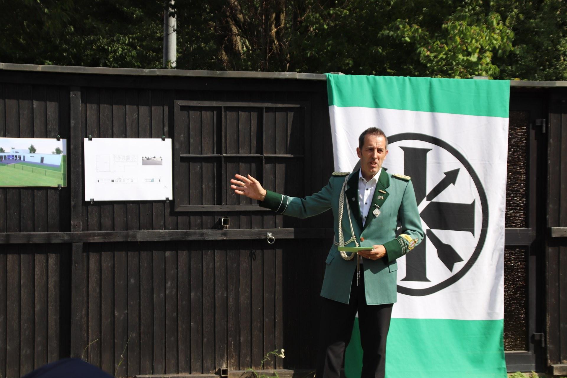 Brudermeister-Meierhöfer zeigt seine Zukunftsvision.JPG