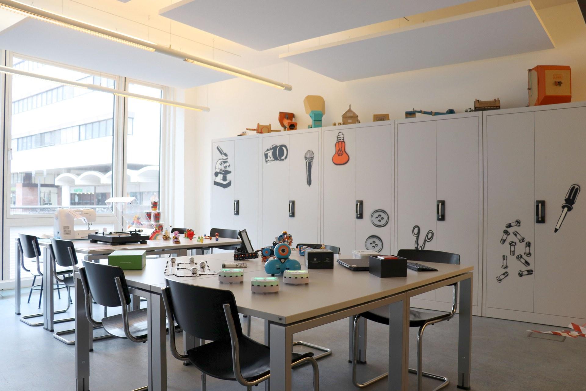 Makerspace - Kreativ werden in der Stadtbibliothek 01_Foto Claudia Ehrentraut.jpg