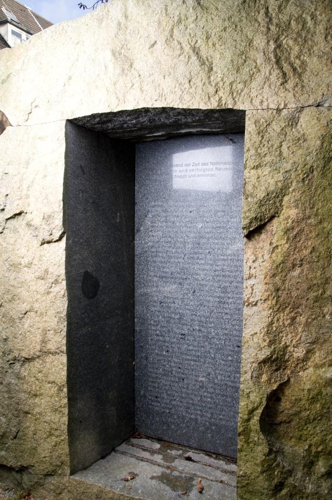 Mahnmal zur Erinnerung an die ermordeten Neusser Juden