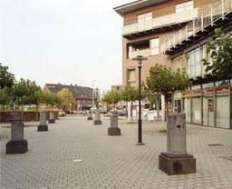7 Säulen von Fr. Meyer, Römerplatz, 1998