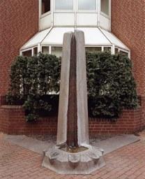 Ostdeutscher Gedenkstein von W. Kuhn, Platz der Deutschen Einheit, 1988