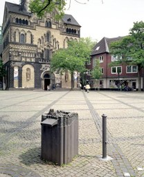 Blindenplastik, Münsterplatz, E. Boerken, 1999