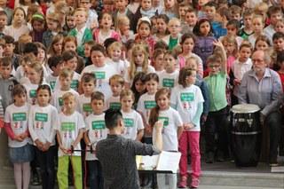 Das große Kinderkonzert zum Zuhören und Mitsingen, veranstaltet mit Unterstützung durch die JEKITS-Stiftung und das Ministerium für Kultur und Wissenschaft NRW.
