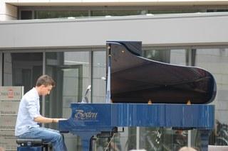 Open Air Klavierkonzert der Musikschule