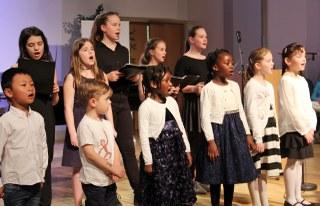Zum zehnten Mal: über 1.500 Kinder sangen in Seniorenheimen oder anderen Einrichtungen und dokumentierten ihre Auftritte mit Texten und Bildern.