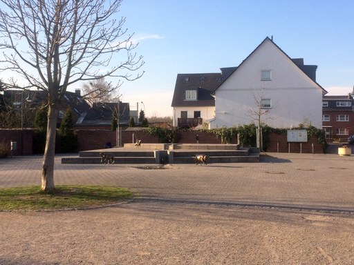 Pitter- und Paul-Platz in Rosellerheide