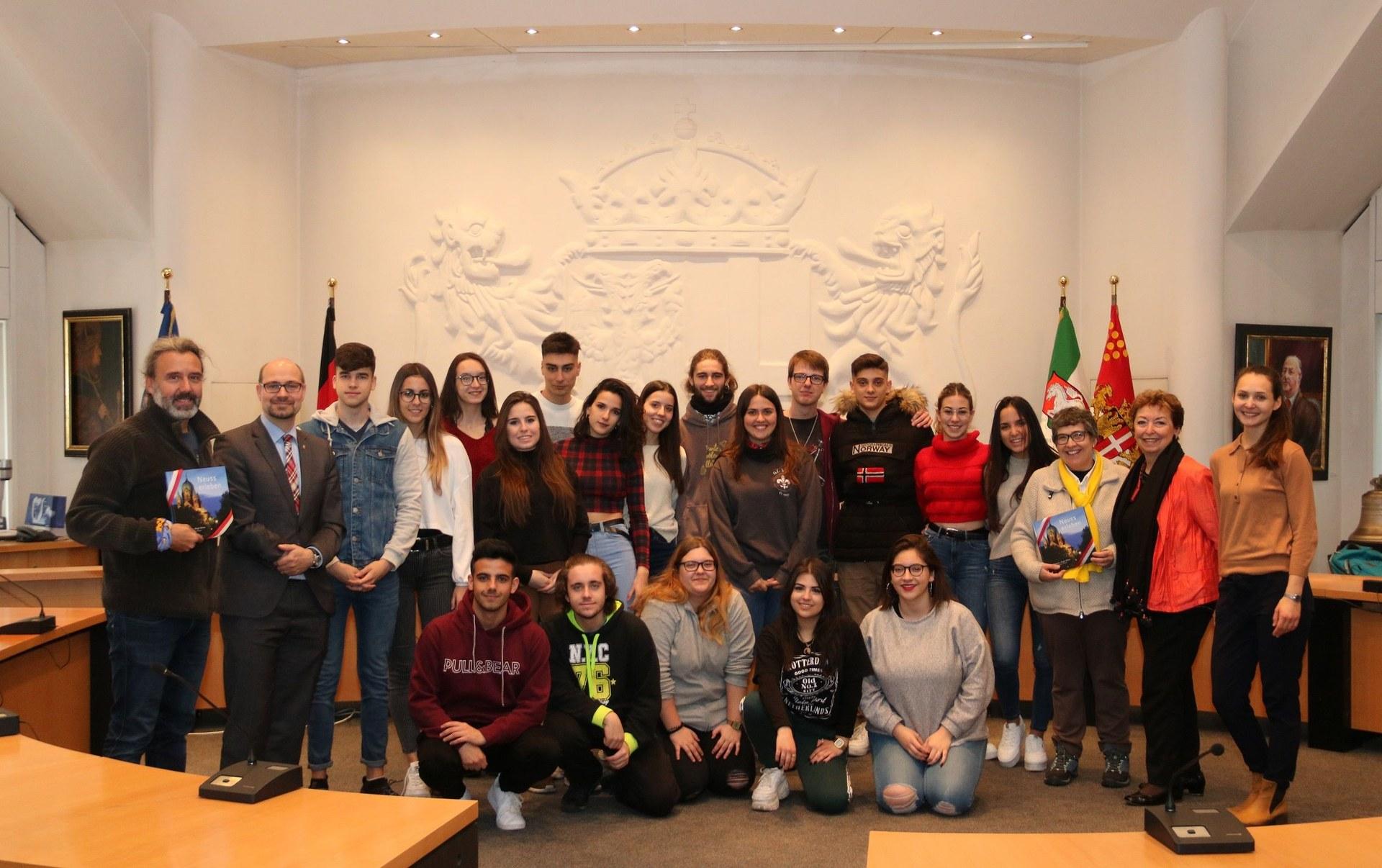 Schülerempfang Gymnasium Norf und Spanien.jpg
